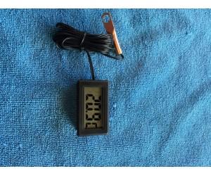 Digitalni ukazatel teploty motoru motoru